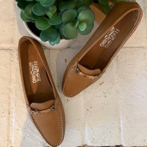 Ferragamo Leather Driving Shoes Loafers Camel Tan